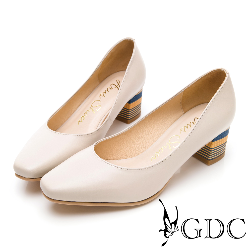 GDC-優雅可愛溫柔彩跟微方頭粗跟鞋-米色