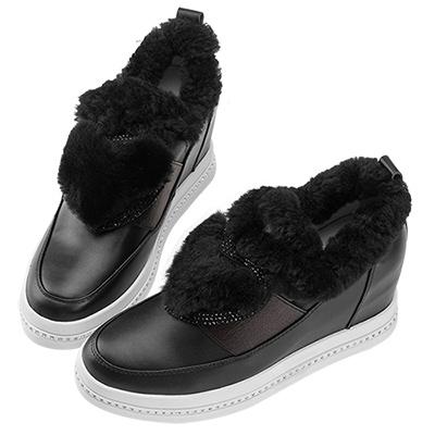 Robinlo 羊毛絨愛心鑲鑽內增高休閒鞋 黑