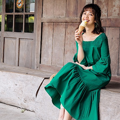 iMODA STAR-臧芮軒。魚尾裙襬方型領高含棉長洋裝