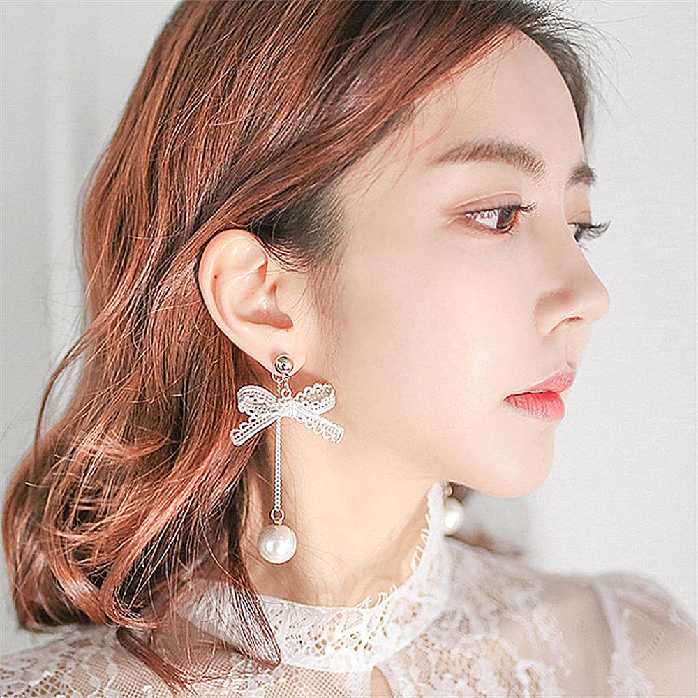 梨花HANA 韓國公主金屬蕾絲蝴蝶結珍珠耳環