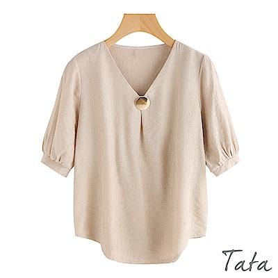 五分袖V領鈕釦飾品上衣 TATA