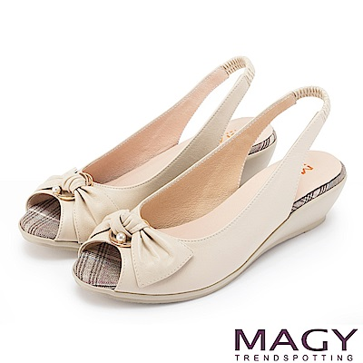 MAGY 優雅名媛 扭結交叉鞋面魚口牛皮楔型涼鞋-米色