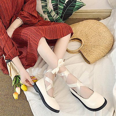 韓國KW美鞋館 歐洲站甜美鏤空綁帶平底鞋-白色