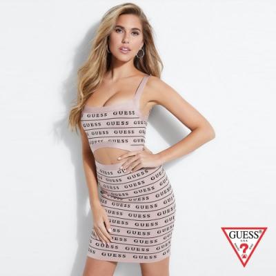 GUESS-女裝-滿版LOGO細肩帶合身洋裝-粉紅