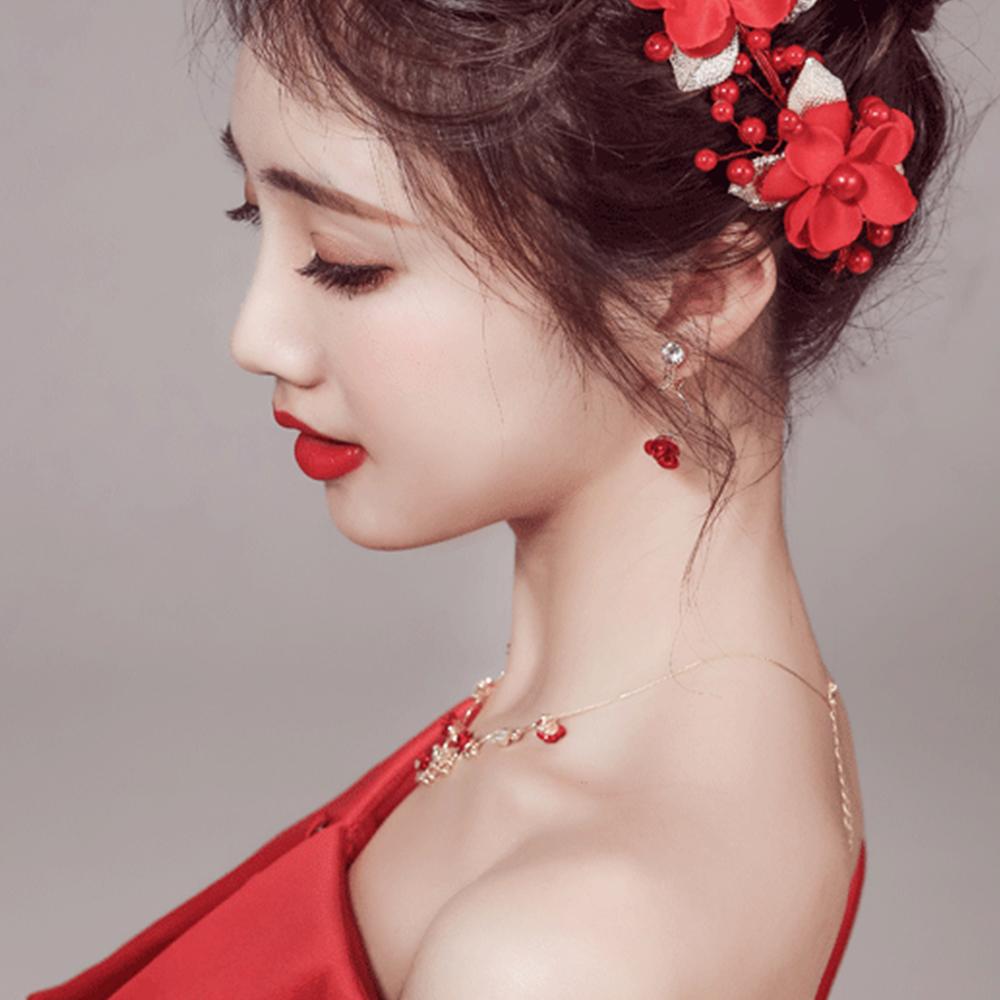 Hera 赫拉 愛的宣言紅玫瑰鑲鑽扭珠新娘飾品-玫瑰耳夾