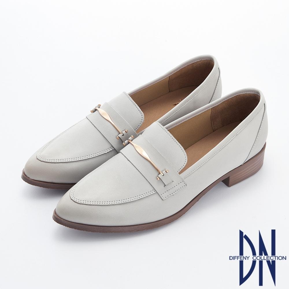 DN樂福鞋_MIT素面金屬扣飾牛皮尖頭樂福跟鞋-灰