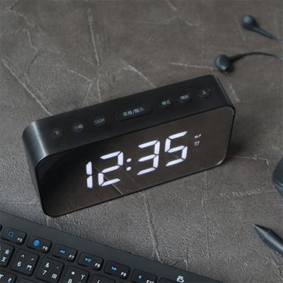 【KINYO】多功能時尚鏡面電子鐘 (TD393)