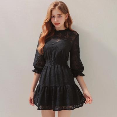 AIR SPACE 古典蕾絲荷葉澎袖短洋裝 (黑)