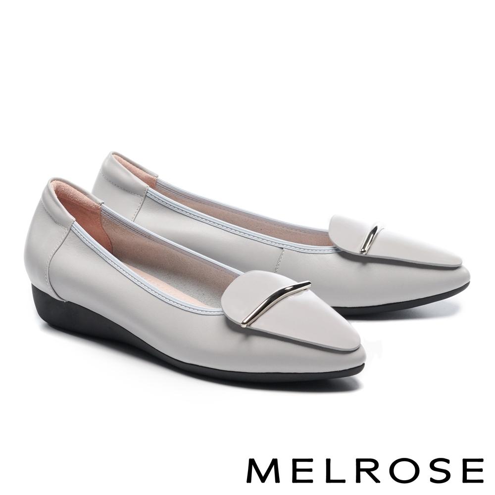 低跟鞋 MELROSE 質感時尚飾釦全真皮尖頭楔型低跟鞋-灰