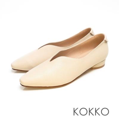 KOKKO - 永恆的期盼深V軟墊羊皮小方頭鞋 - 溫柔米