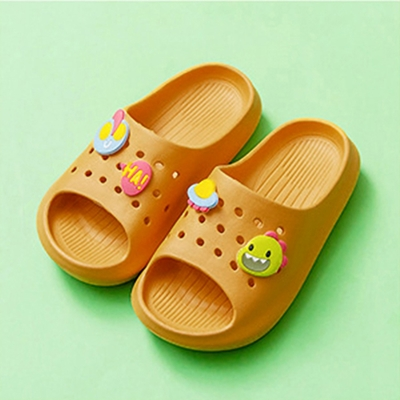 Cheerful Mario 兒童洞洞拖鞋-薑黃