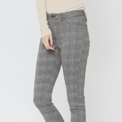 H:CONNECT 韓國品牌 女裝-細格紋口袋造型長褲-黑快)