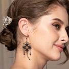 思薇爾 J.DESIGN滿天星高級刺繡耳環(黑色)