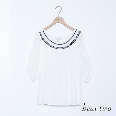 beartwo 配色蕾絲一字領泡泡袖上衣(二色)