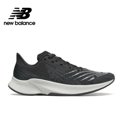 【New Balance】輕量跑鞋_男性_黑色_MFCPZBW-2E楦