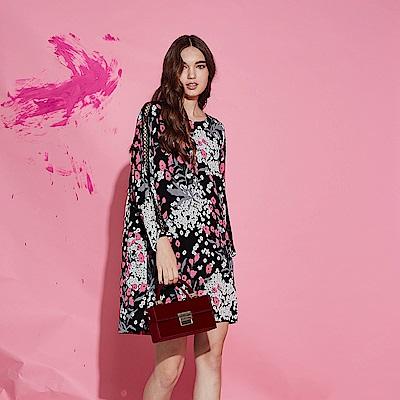 Chaber巧帛 時尚印花拼接透視鏤空袖造型洋裝-黑