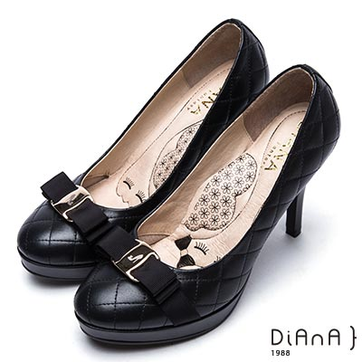 DIANA雷射飾釦格紋綿羊皮高跟鞋-漫步雲端厚切瞇眼美人-黑