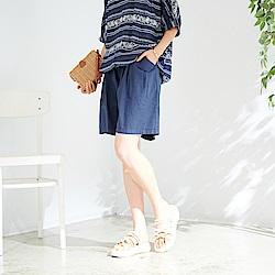 慢 生活 鬆緊腰百搭文藝寬鬆短褲- 深藍/杏