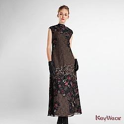 KeyWear 奇威名品    無袖設計亮片針織洋裝-綜合色