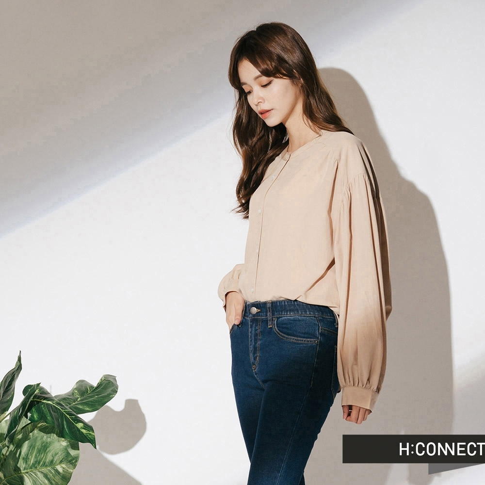 H:CONNECT 韓國品牌 女裝-圓領排扣抓皺上衣-卡其