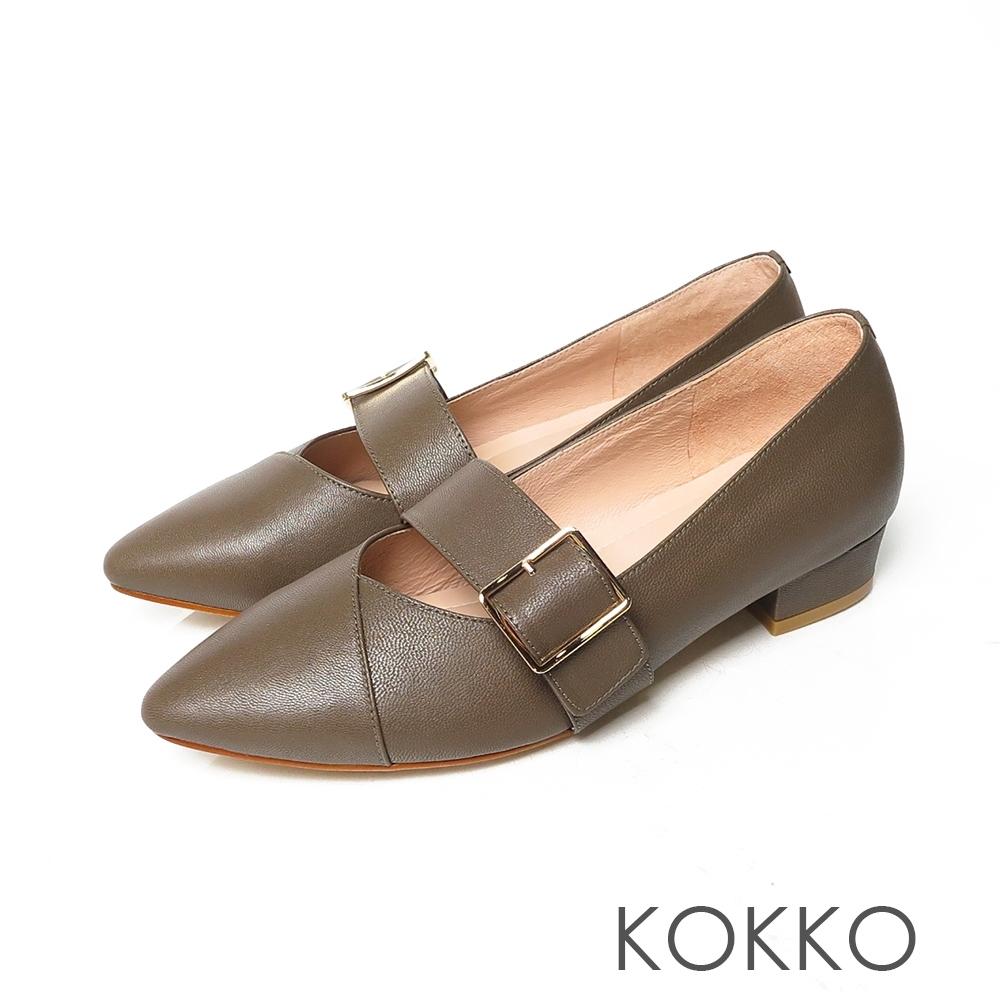 KOKKO經典尖頭柔軟感羊皮可調節飾帶粗跟鞋森林綠
