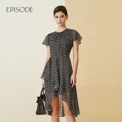 EPISODE - 柔美浪漫波點雪紡褶皺不規則裙擺短袖洋裝(黑)