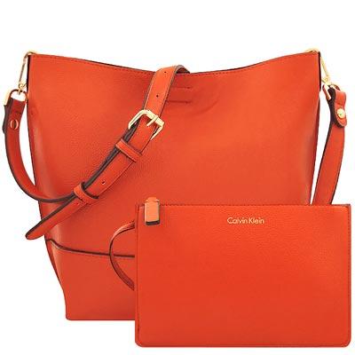 Calvin Klein 橘紅色皮革斜背包/大型-附手拿包
