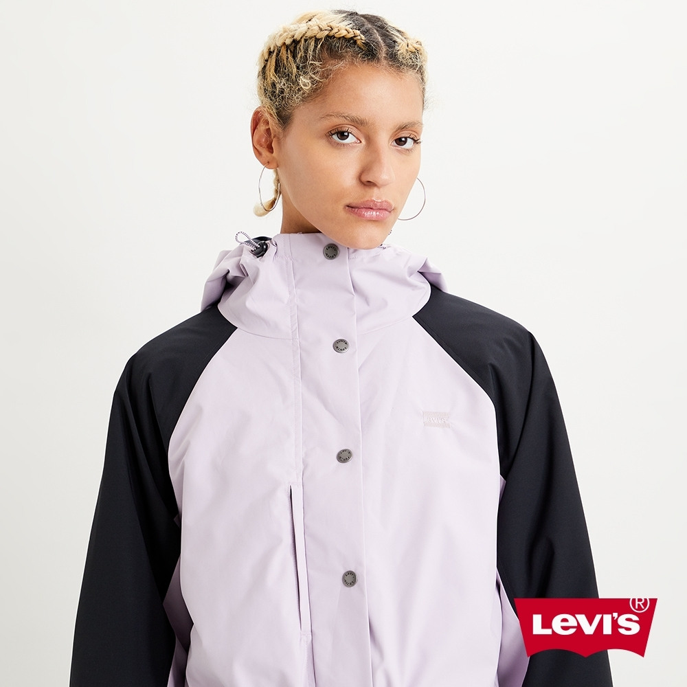 Levis 女款 機能系風衣連帽外套 中短版 收納暗袋 刺繡Logo細節