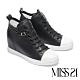 休閒鞋 MISS 21 自在彈性鞋帶全真皮內增高厚底休閒鞋-黑 product thumbnail 1