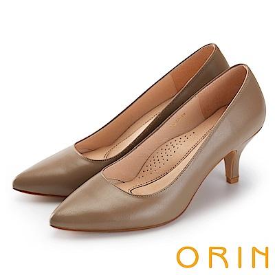 ORIN 時尚OL 簡約剪裁真皮素面高跟鞋-可可
