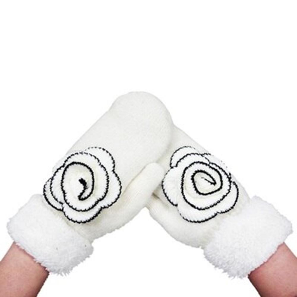 米蘭精品 羊毛手套針織手套-山茶花連指翻邊兔毛女手套3色73or12