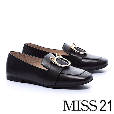 低跟鞋 MISS 21 復古俏皮小貓釦飾全真皮方頭低跟樂福鞋-黑