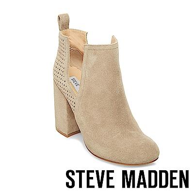 STEVE MADDEN-NOMAD經典時尚側面鏤空設計粗跟靴-絨米
