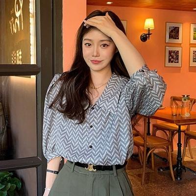 【KISSDIAMOND】法式設計感翻領泡泡袖五分袖襯衫(KDT-4356)