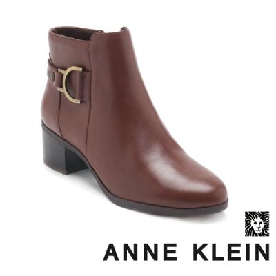 ANNE KLEIN-JAYSIE 經典時尚真皮拉鍊中跟短靴-咖啡色
