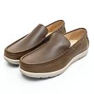 GEORGE 喬治皮鞋 輕量系列-經典素面舒適直套式休閒鞋-卡其色