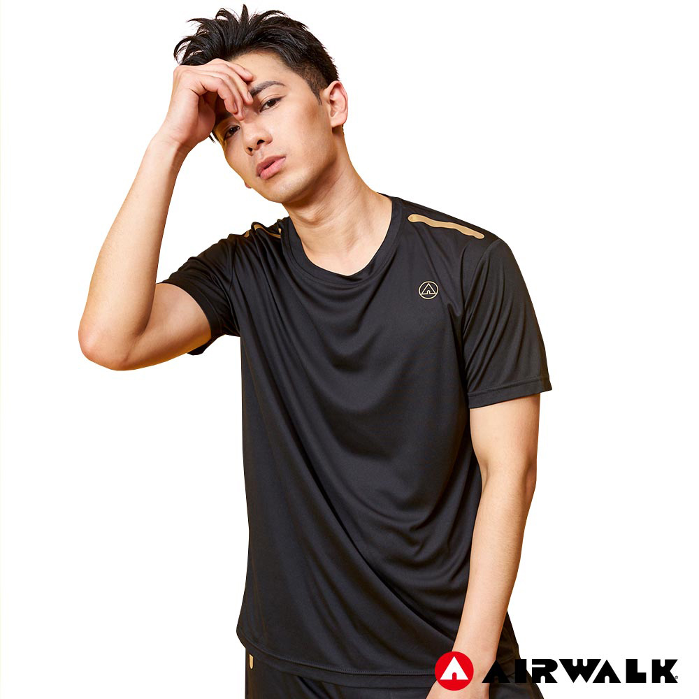 【AIRWALK】經典LOGO吸排圓領T恤-黑色