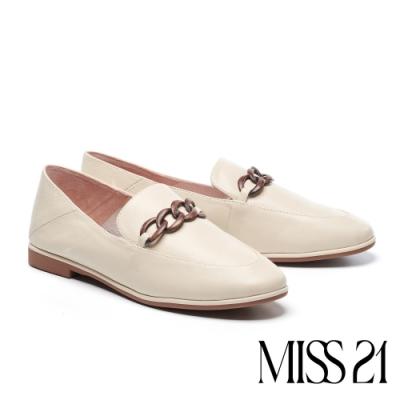 低跟鞋 MISS 21 藝文復古木紋飾釦全真皮樂福低跟鞋-米白