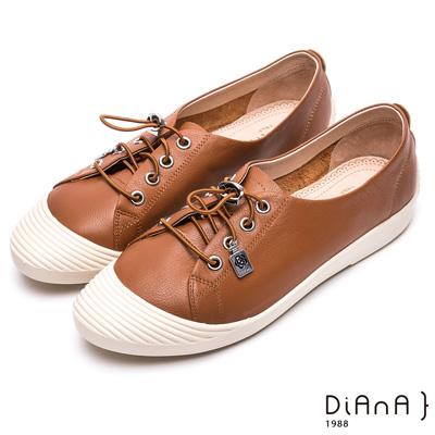 DIANA 漫步雲端焦糖美人款--免綁帶超柔軟真皮休閒鞋 –焦糖棕