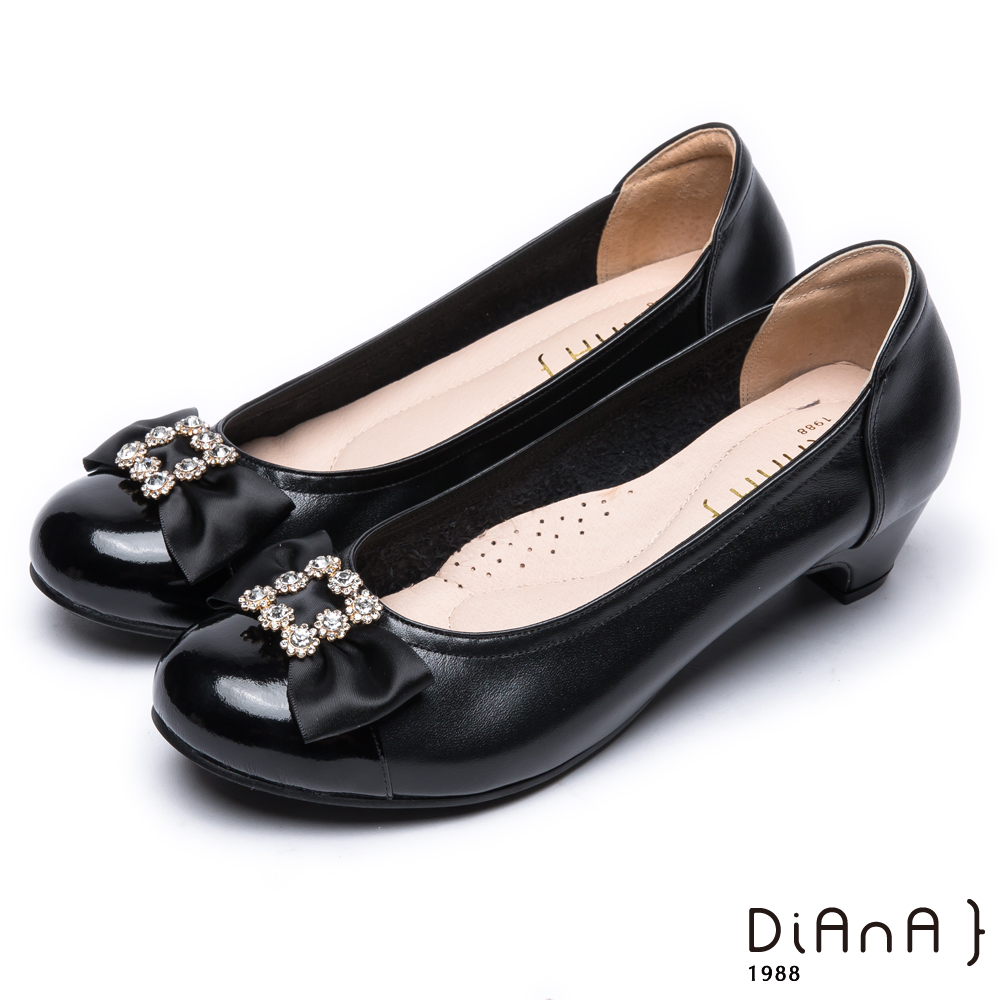 DIANA漆皮蝴蝶結圓頭跟鞋-經典氣質-黑