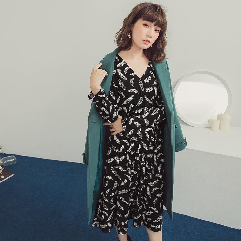 滿版羽毛交叉V領綁帶設計洋裝-OB嚴選