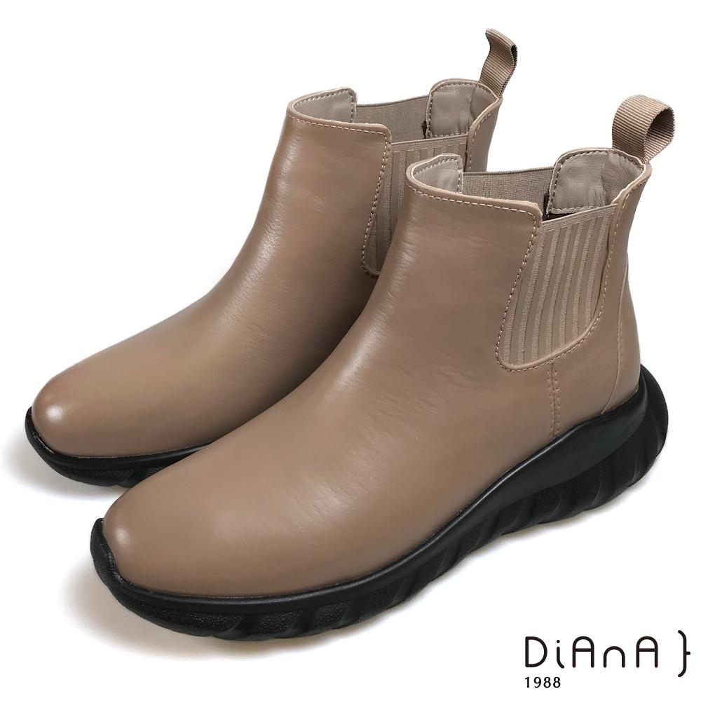 DIANA 晴雨2用側鬆短筒雨靴-率性時尚-卡其