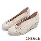 CHOiCE 舒適甜美 蝴蝶結鑽飾牛皮坡跟鞋-米色