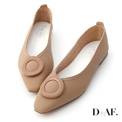 D+AF 古典旋律.復古大圓釦V口平底鞋*杏