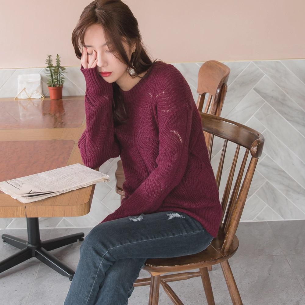 微鏤空造型織紋馬海毛針織上衣/毛衣-OB大尺碼