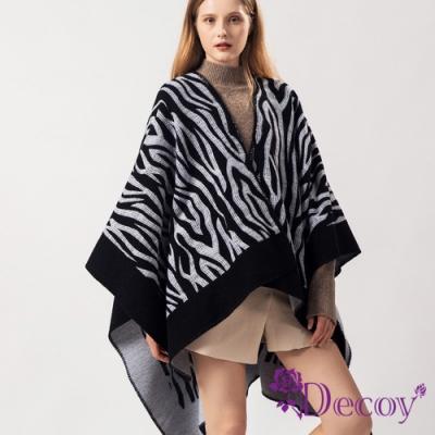 Decoy 都會斑馬紋 黑白加大保暖斗篷式披肩