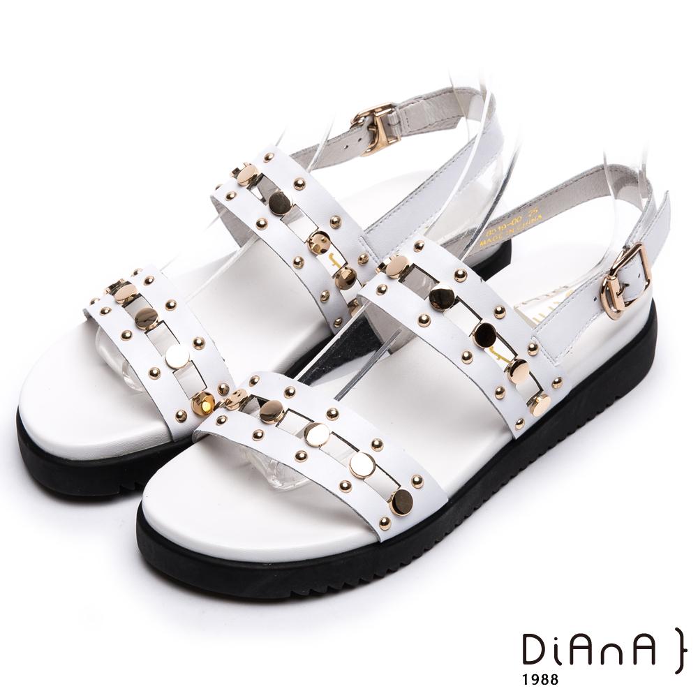 DIANA 率性自我—特色雙繞帶光澤質感真皮涼鞋-白