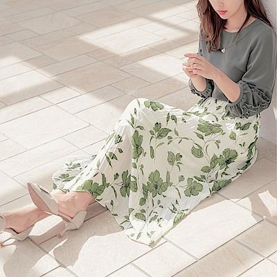 細緻花卉印花後鬆緊腰頭百褶長裙-OB大尺碼