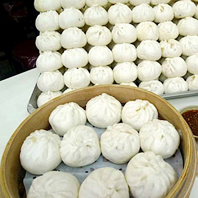 任選_周家蒸餃 小籠包(10顆/盒)