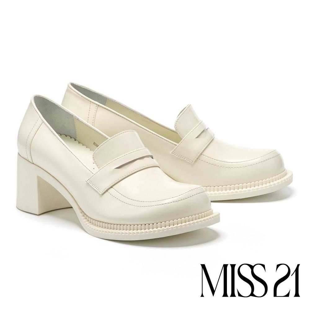 高跟鞋 MISS 21 變異復古主義歪型大頭設計粗高跟鞋-白